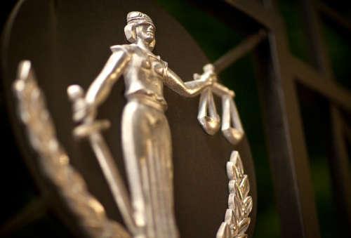 Взыскание задолженности без суда как платить по кредиту если счет арестован приставами
