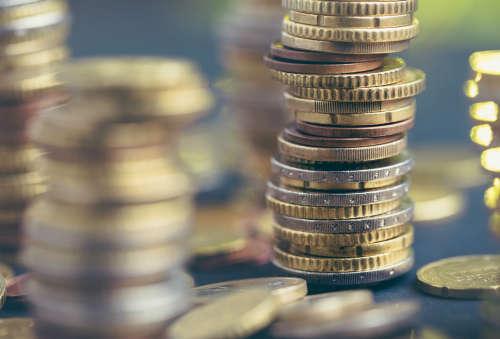 Компенсационные выплаты работникам: пять правил в помощь работодателю